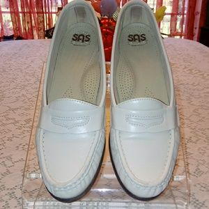 Sas leather loafers